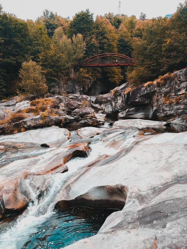 ponte sulle marmitte dei giganti orridi di uriezzo baceno val ossola hikes on planet earth
